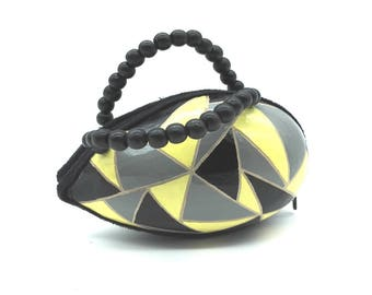 Wallet in yellow, black and grey gourd