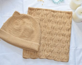 Stylish knitted set