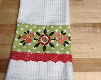 Handtowel - fabric/lace trimmed - machine embroidered