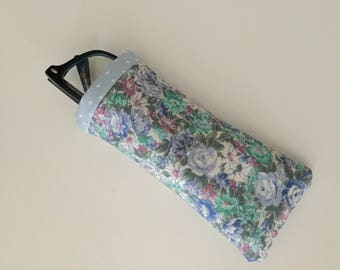 Glasses case, blue floral