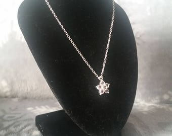 Clear flower necklace
