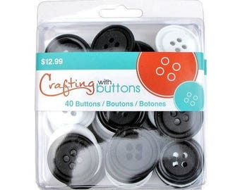 40 black and white buttons 3.5 cm in diameter