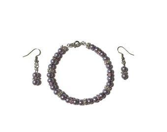 Lilac pearl bracelet, lilac pearl earrings, bridesmaid jewelry, bridal jewelry, pearl jewelry, jewelry set, mother of the bride, swarovski