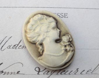 1 x cabochon resin cameo Lady 20 x 28 mm