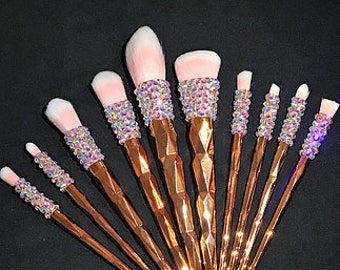 Beautiful golden square bling makeup brushes