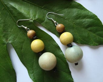 Earrings wooden beads in shades of green