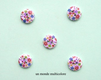 10 round wooden buttons with floral pattern, 2 holes, sewing, scrapbooking 15 mm diameter