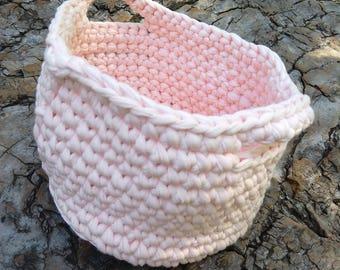Light pink croched basket
