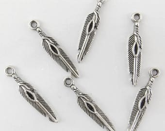 10 bc129 antiqued silver feather charms