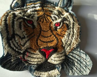 Applique coudre13 cm x 12 cm tiger head