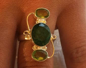 Natural peridot, sterling 925 silver and emerald ring / size 57