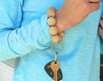 Keychain Bracelet, Bracelet Keychain, Beaded Key Wristlet, Handsfree Keychain, Bracelet for Keys, Keychain Jewelry, Natural Wood bead