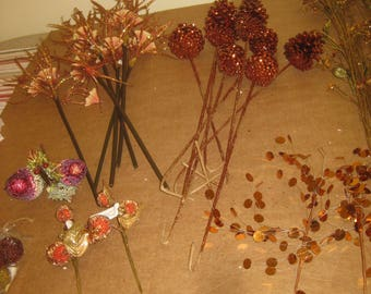 Assorted lot of Dried Flowers & Floral stems   [6533bs]