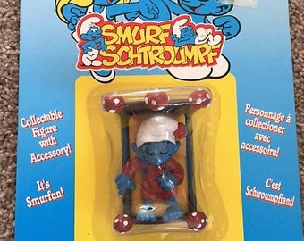 1996 Smurf Schtroumpf Collectible Figure with Accessory #40300