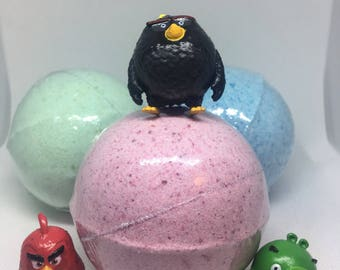 8 oz Surprise Inside Angry Bird Inspired Bath Bomb