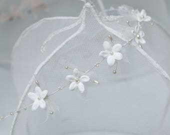 White flowers crown