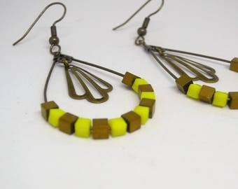 Earrings drop dangling yellow and Pearl Hematite/woman/gift/made hand/pearls/minimalist/modern