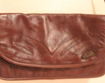 True Vintage 1970's Papillon Of Paris Real Leather Shoulder / Clutch Bag is in a Dark Brown