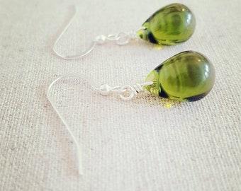 Olive Earrings • Green Dangle Earrings • Green Drop Earring • Green Tear drop Earrings • Olive Green Earring • Green Glass Earrings