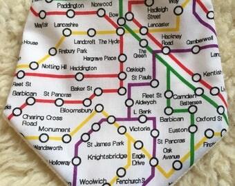 Daylong FinPin Baby bib- London Underground