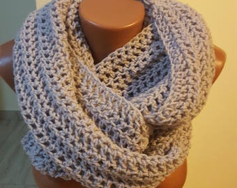 Handmade Scarf / Scarves / Infinity Crochet Scarf / Grey Scarf / Chunky Scarf / Winter Scarf / Winter Shawl / Gift for Her / Crochet Scarf