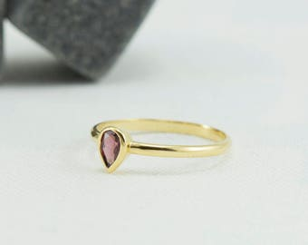 Teardrop ring, tear drop ring, pear cut ring, pear ring, CZ ring, Stacking ring, V stacking ring, Thumb ring, Knuckle Ring, DM105