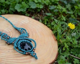 opsidian necklace,macrame necklace,macrame jewelry,cabochon necklace,gemstone necklace,thread necklace,statement necklace,boho jewelry