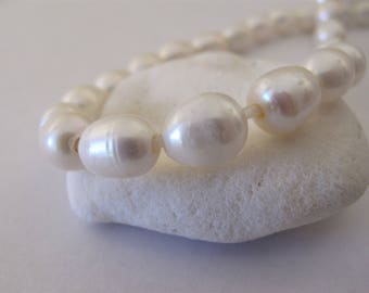 10x12mm Full Strand Large Hole Rice Natural White Freshwater Pearl Beads 2.5mm Hole, Genuine Natural Oval Freshwater Pearl Beads(LHWH-091)