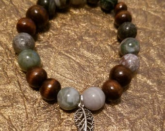 Stretch Cord bracelet with leaf