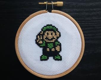 Super Mario, Luigi Cross Stitch, Mario Cross Stitch, 8 bit cross stitch, 16 bit cross stitch, nerd craft, geek craft, Luigi.