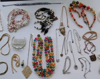 Lot Vintage Necklace Beads Pearl Rhinestone BROKEN Mixed Jewelry Crafting Lot Re-purpose AS IS
