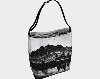 Static Black and White Lake Adjustable Strap Tote Bag