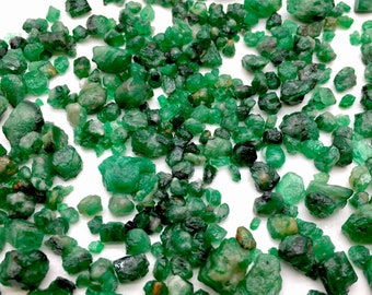 368 Carates Very Beautiful Rough Grade Emerald Lot From Pakistan Swat.