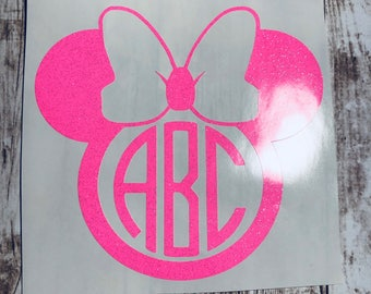 Minnie Mouse With Bow 3 Letter Circle Monogram