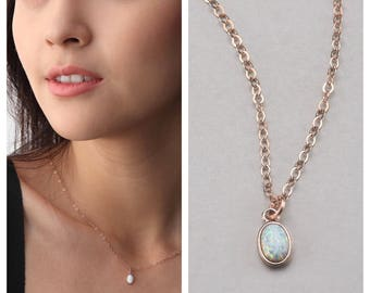 Small Opal pendant necklace Gold Filled EN009