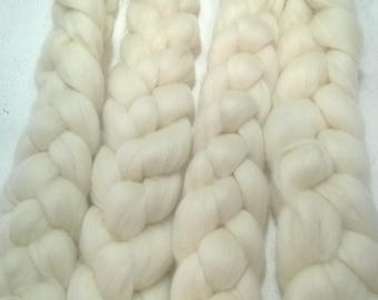 Corriedale Cross Top Undyed/ Corriedale Roving Ecru/ Corriedale Top/Corriedale Roving /Corriedale Cross/ Spinning Roving / Knitspin  -  4 oz