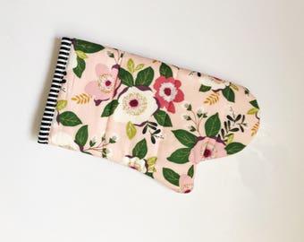 Pretty pink floral oven mitt