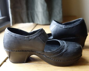 1960s Style Clogs Modern US Size 10 Euro 40 Black Leather Mary Janes Pin Up Rockabilly Viva Las Vegas