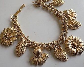 FREE SHIPPING Vintage Goldtone Charm Bracelet with Flowers Acorns