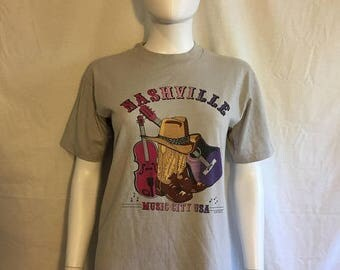 Nashville Tennessee vintage t shirt, tourist souvenir t shirt  Music City USA 80s vintage