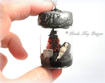 Tiny Skeleton in Bottle Halloween Necklace Bottle Brush Trees Skeleton in Casket Theme Wearable Glass Bottle Diorama Pendant