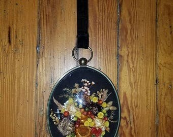 30% OFF Vintage Dried Flowers Wall Hanging, Convex Glass, Gold Oval Frame, 6 x 7.5 inches