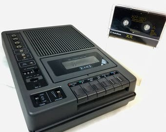 Working cassette tape player recorder