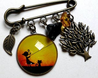 Brooch, late afternoon B033