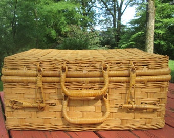 Large Vintage Picnic Basket - Tan Wicker Basket - Unlined Storage Basket - 12 in by 16 in
