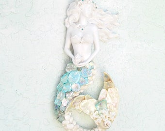 Mermaid Wall Art, Mermaid Seashell Sculpture, Mermaid Figurine Wall Hanging, Mermaid Statue for Wall, Mermaid Beach Decor, Bling Mermaid
