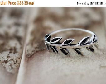 Memorial Day Sale Nature. Sterling Silver mini leaf petite  Midi Ring