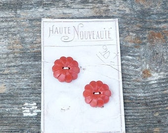 ON SALE Vintage Antique /1930s French red buttons set of 2 on a card