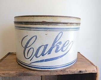Antique cake storage tin canister 1910s 1920s - round cookie, flour, bread box - farmhouse decor