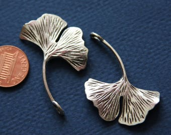 Bulk 60 pcs of Antique silver Ginkgo leaf pendant 32x46mm